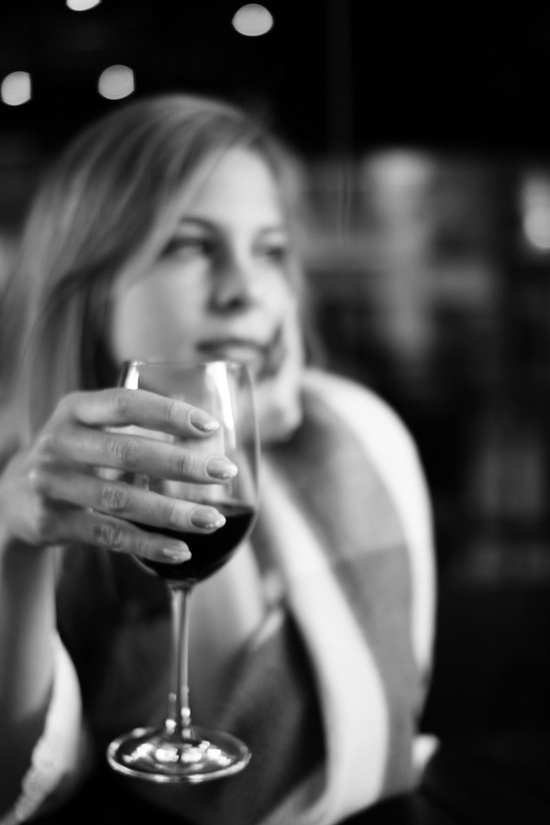 cum se bea vinul rosu