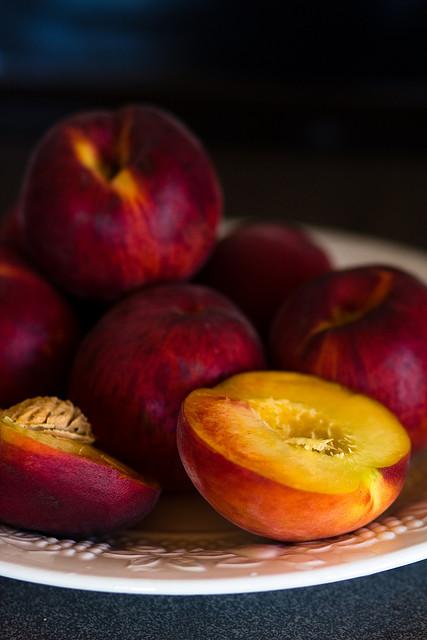 Piersici si nectarine